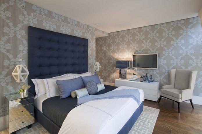 Серо-голубые обои в интерьере спальни