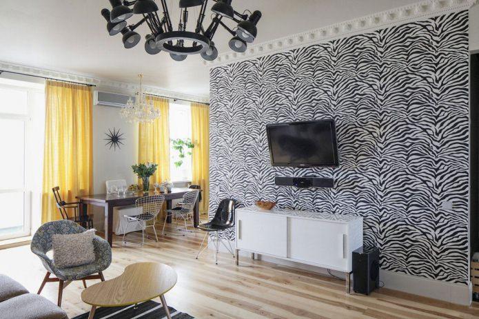 Черно-белый рисунок обоев, имитирующий шкуру зебры