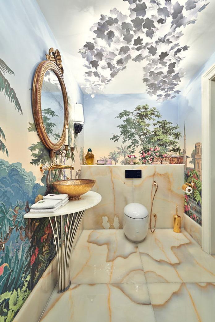 туалет с отделкой 3д обоями в тропическом стиле