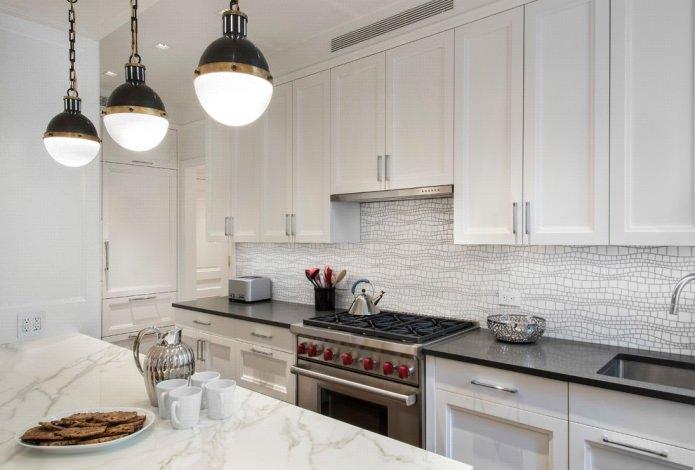 Дизайн белой кухни с черной столешницей: 80 лучших идей, фото в интерьере - 43