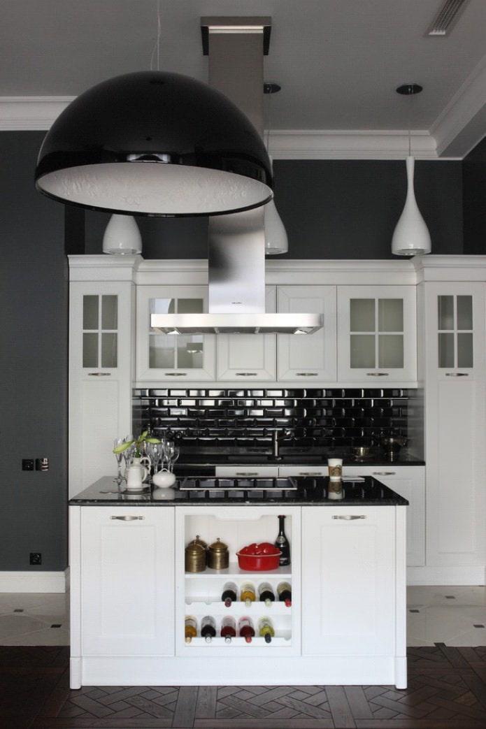 مطبخ أبيض مع الصورة السوداء أعلى الجدول Cerceis Com