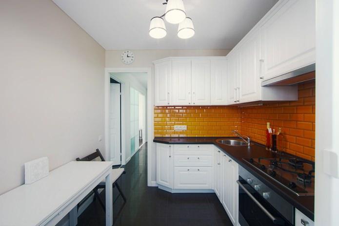 Дизайн белой кухни с черной столешницей: 80 лучших идей, фото в интерьере - 34