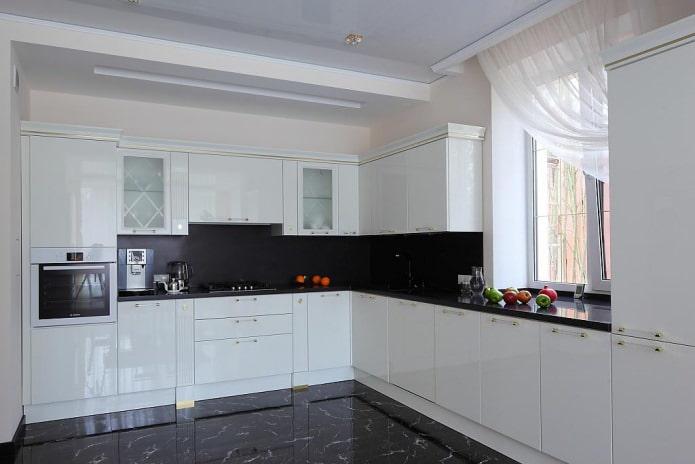 Дизайн белой кухни с черной столешницей: 80 лучших идей, фото в интерьере - 31