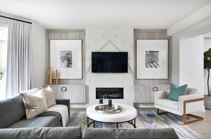 комбинированная отделка стены с телевизором