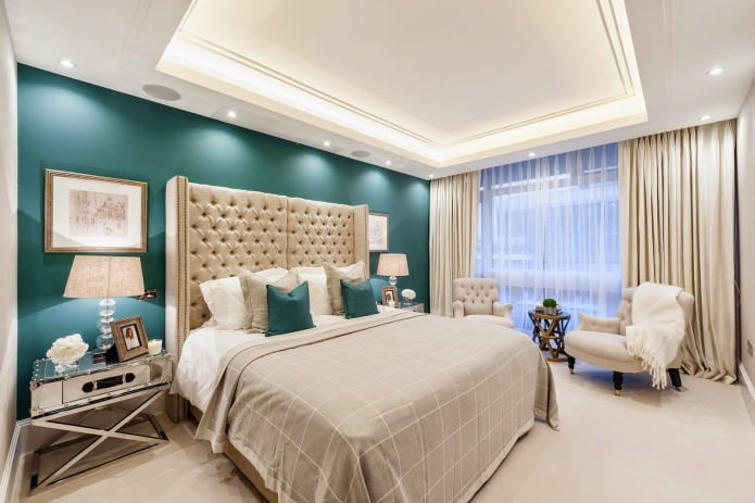 Бежево-бирюзовый интерьер спальни