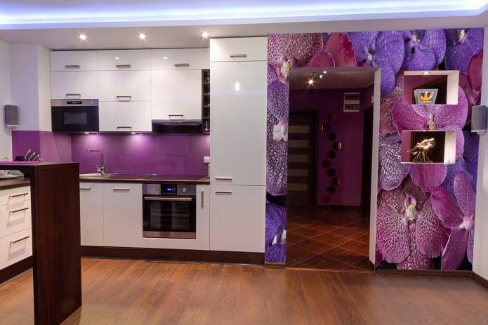 фиолетовые самоклеящиеся обои вместо фартука на кухне