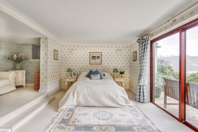 светлый пол в интерьере спальни
