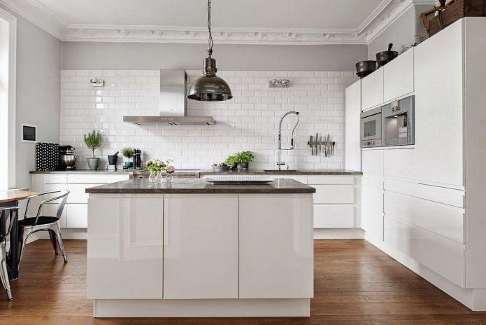 Белый кухонный гарнитур: особенности выбора, сочетания, 70 фото в интерьере - 31