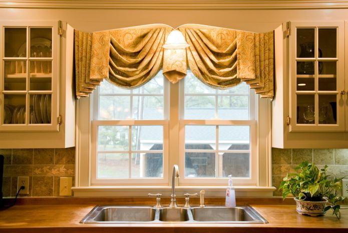 Современные шторы на кухню: особенности выбора, 90 фото дизайна