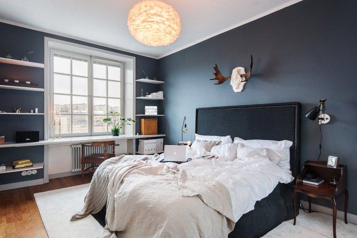 Темно-серые стены в спальне