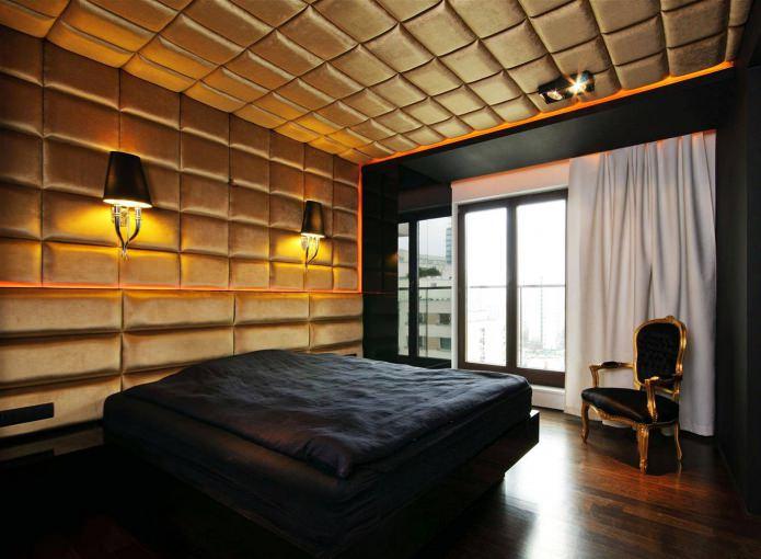 золотые мягкие панели в спальне