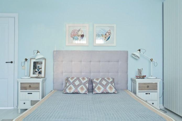 светло-голубые стены в спальне