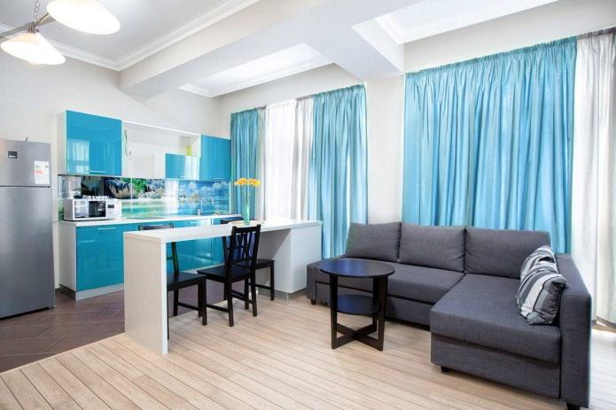 Голубой цвет в интерьере кухни-гостиной