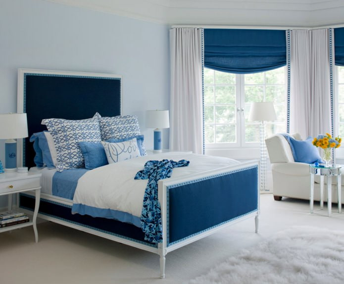 Сине-голубой интерьер спальни