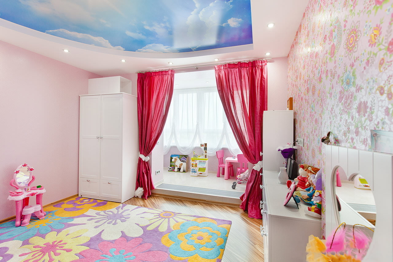 Фото дизайна потолков для детской комнаты