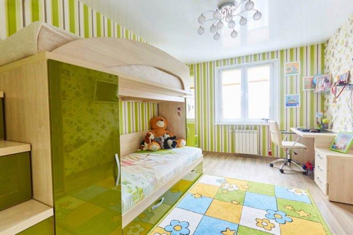 Одноуровневый натяжной потолок в детской комнате