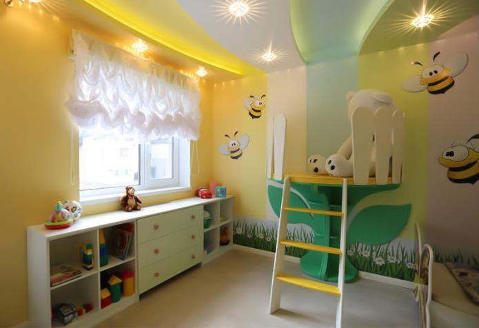 натяжной потолок в интерьере детской