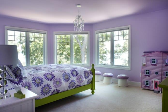 Зеленый и фиолетовый в интерьере спальни