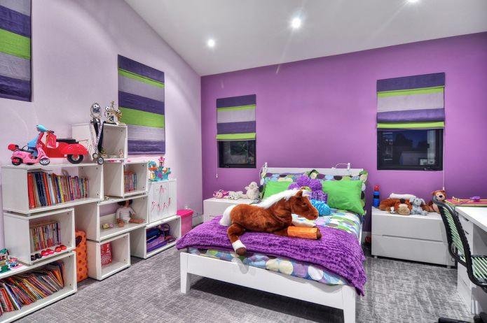 детская в фиолетовых тонах с зелеными акцентами
