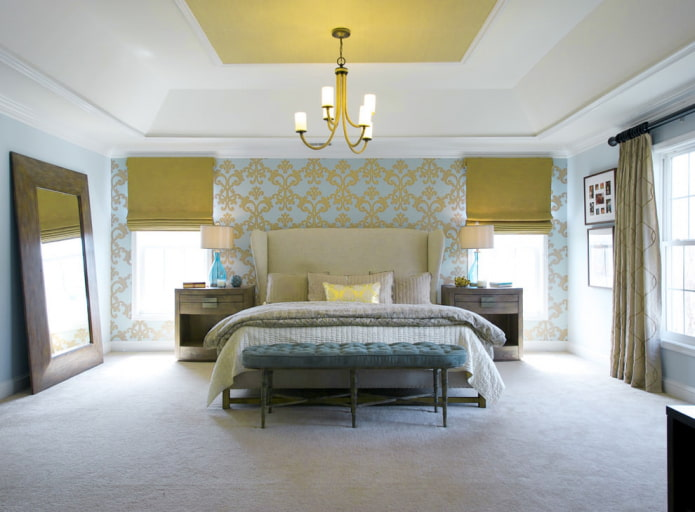 Желто-голубые обои в спальне
