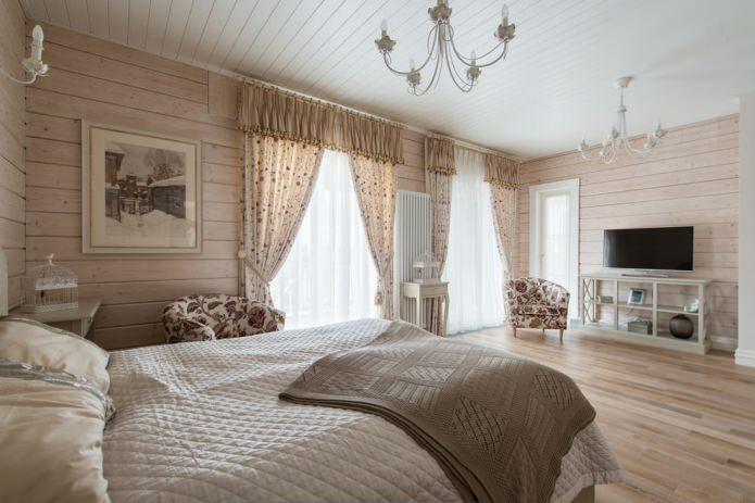 Занавеси с ламбрекеном в спальне
