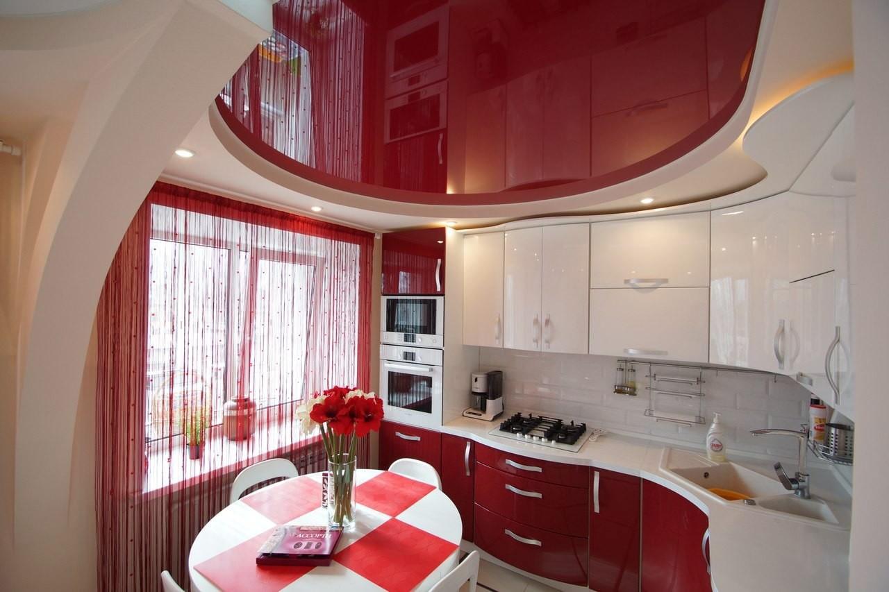 Натяжные потолки в интерьере фото кухня с залом