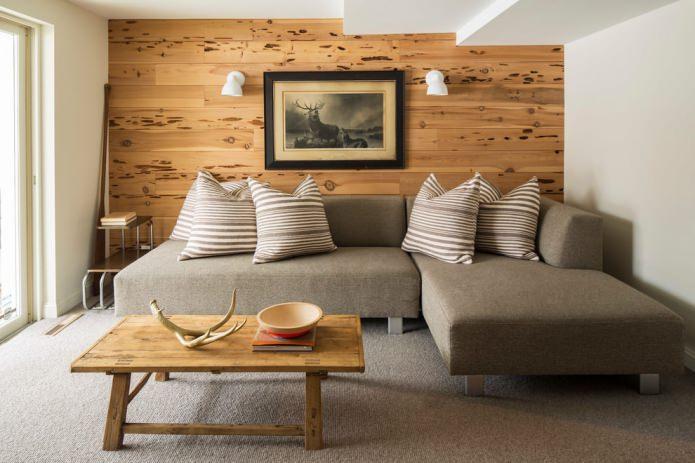 отделка деревом акцентной стены в гостиной