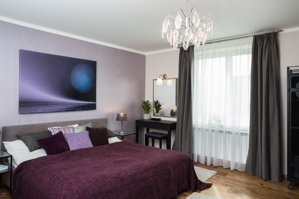 картинки штор в спальную комнату к сиренево серебристым обоям так