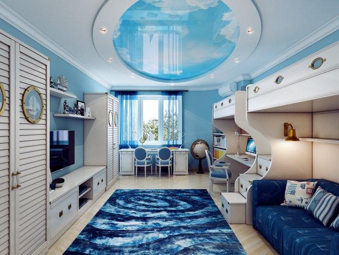 Бело-голубой потолок