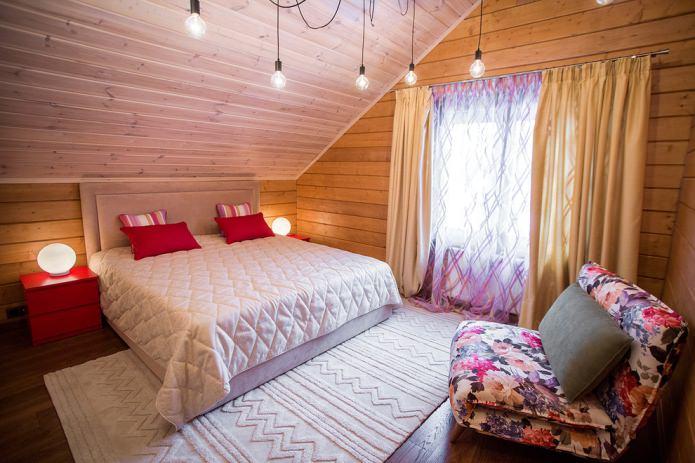 спальня с классическими занавесями
