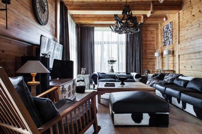 плотные портьеры и легкая тюль в деревянном доме