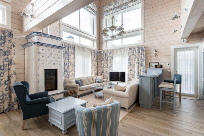светлое оформление деревянного дома
