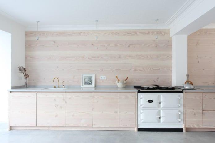 светлая деревянная отделка кухни