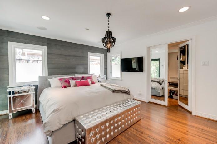 серый ламинат на стене в спальне