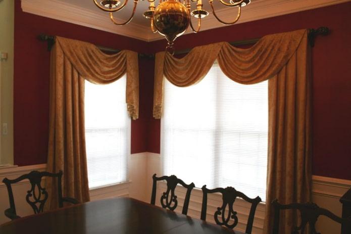 шторы с перекидами из бархатной ткани