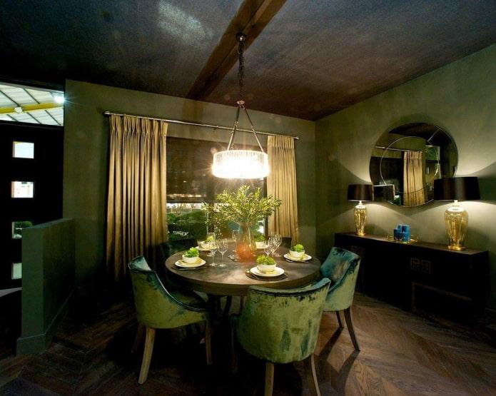 темно-зеленые и золотые шторы