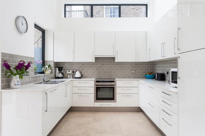 Белый кухонный гарнитур: особенности выбора, сочетания, 70 фото в интерьере - 2