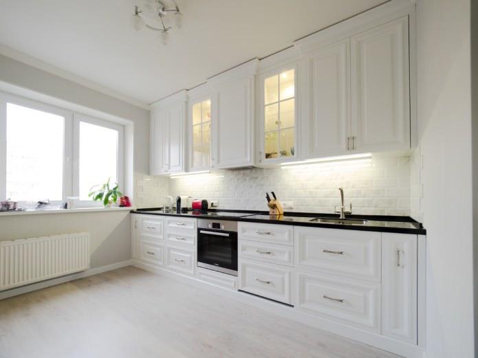 светлый ламинат в интерьере кухни