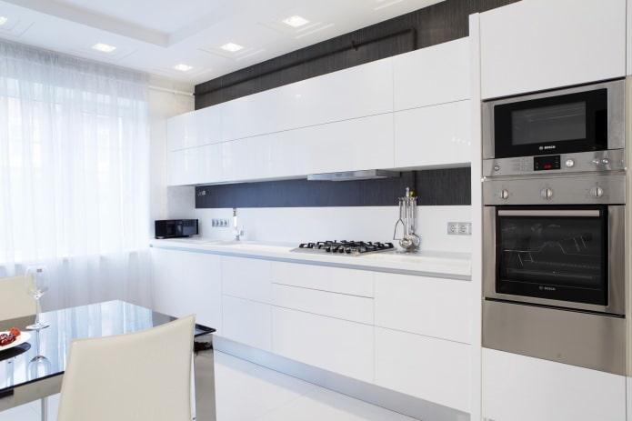 Белый кухонный гарнитур: особенности выбора, сочетания, 70 фото в интерьере - 30