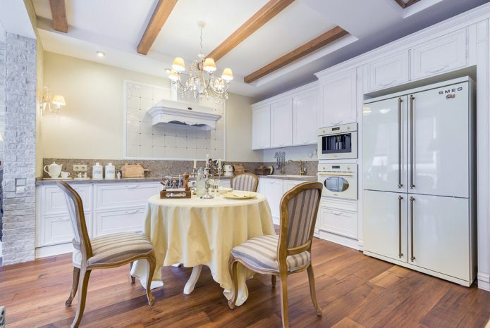 Белый кухонный гарнитур: особенности выбора, сочетания, 70 фото в интерьере - 34