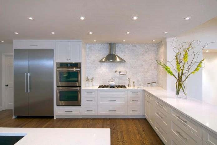 Белый кухонный гарнитур: особенности выбора, сочетания, 70 фото в интерьере - 39