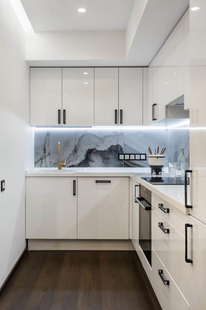 Белый кухонный гарнитур: особенности выбора, сочетания, 70 фото в интерьере - 38