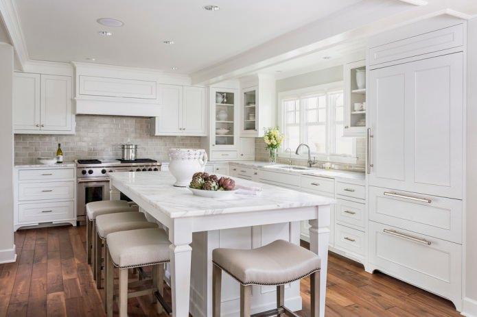 Белый кухонный гарнитур: особенности выбора, сочетания, 70 фото в интерьере - 33