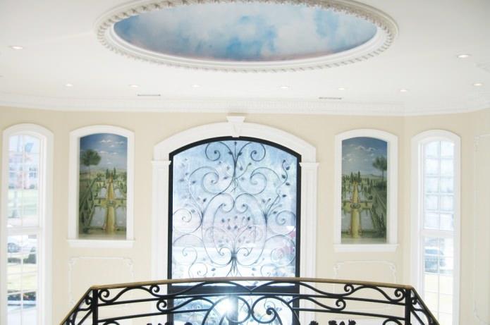 фреска с изображением неба на потолке