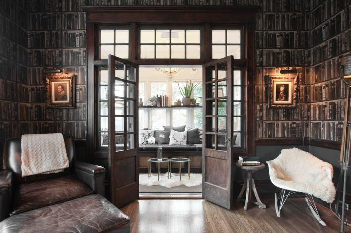 распашные двери с стеклянными вставками