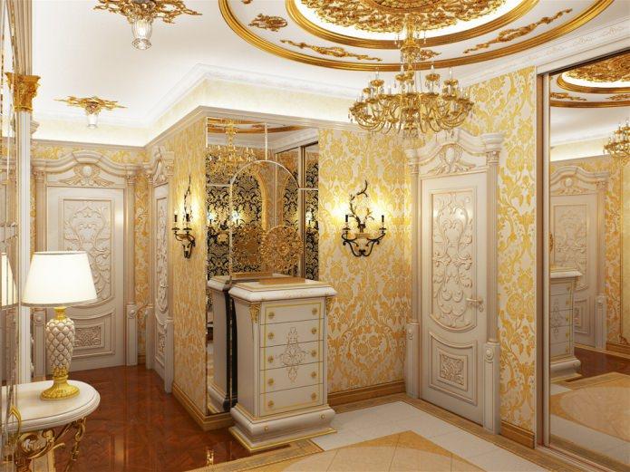бело-золотые флизелиновые обои с крупным цветочным орнаментом