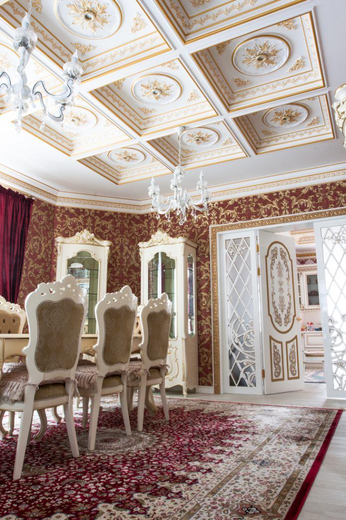 отделка потолка в стиле барокко