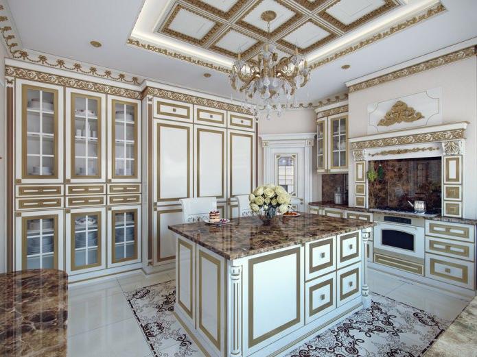 белая кухня с золотой отделкой