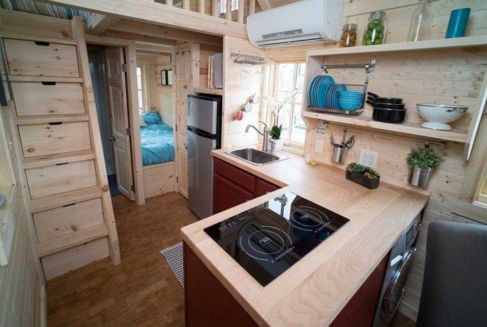 Дачный интерьер маленького дома