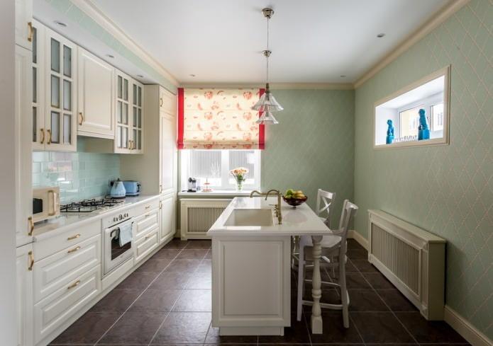бледно-зеленые обои с геометрическим орнаментом на кухне
